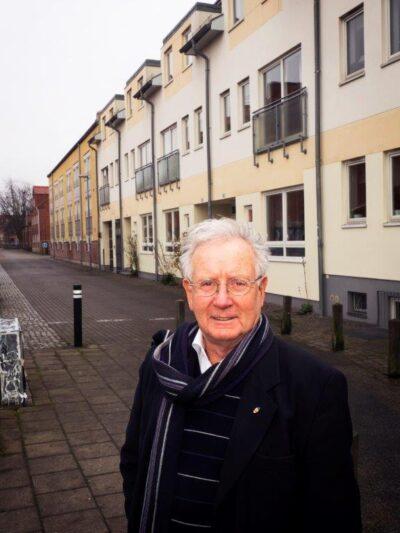 Jan Svärd i gatumiljö på Sofielund